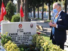 BAŞKAN AYDINER'DEN ŞEHİTLİK ZİYARETİ