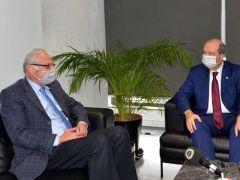 KKTC Cumhurbaşkanı Ersin Tatar, Girne Belediyesi'ni ziyaret etti
